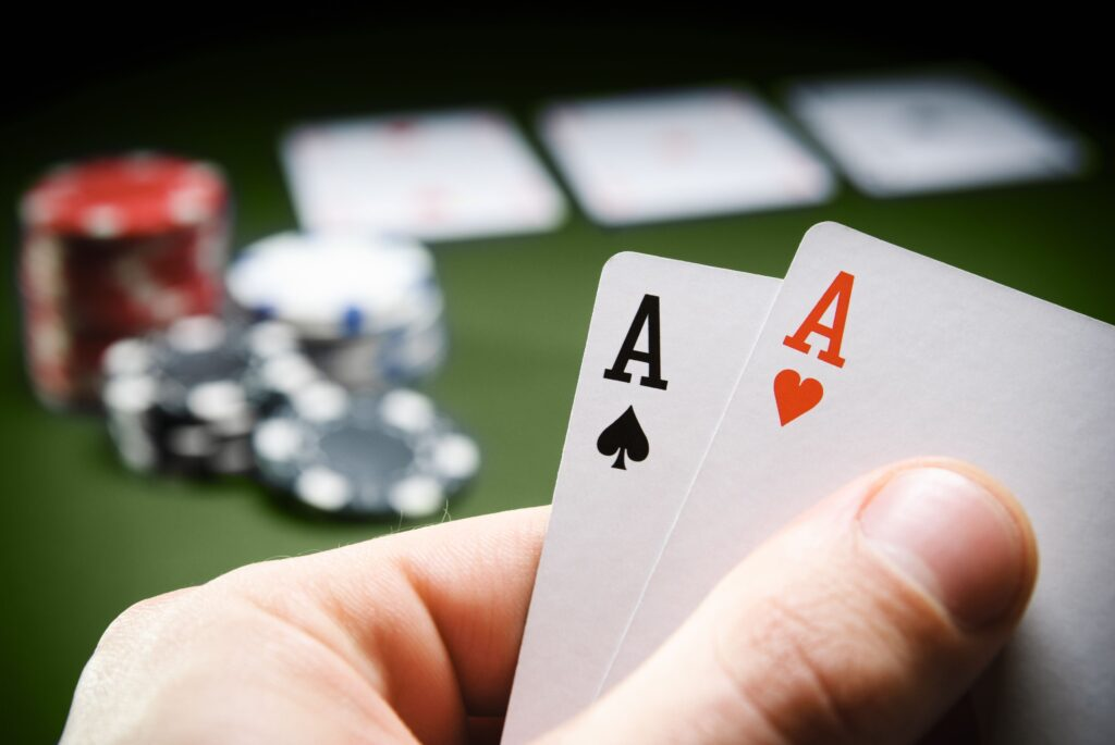 Why do People Like Poker Online?